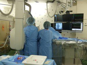 検査 心臓 カテーテル 患者さんのその不安、解消します!~心臓カテーテル検査をすすめられたら~
